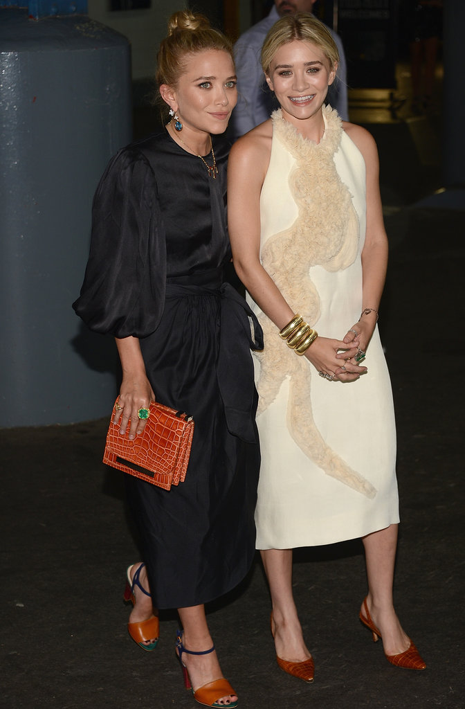 Mary-Kate Olsen and Ashley Olsen posed at the Fresh Air Fund's Spring Gala in NYC.