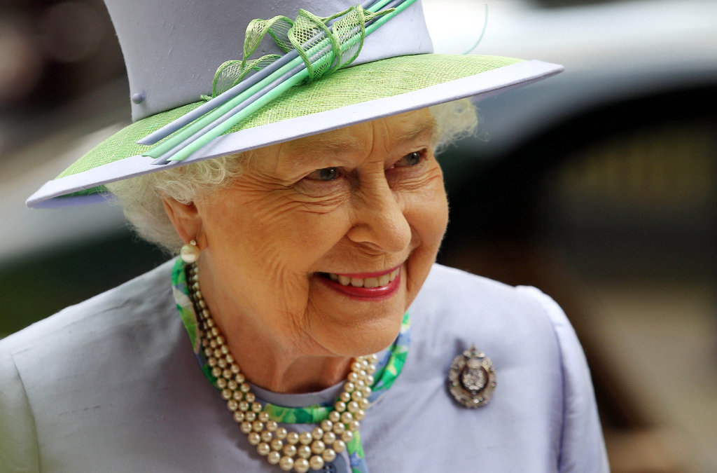 The queen dazzles at a dinner with the Argyll and Sutherland Highlanders at the Caledonian Club on May 30.