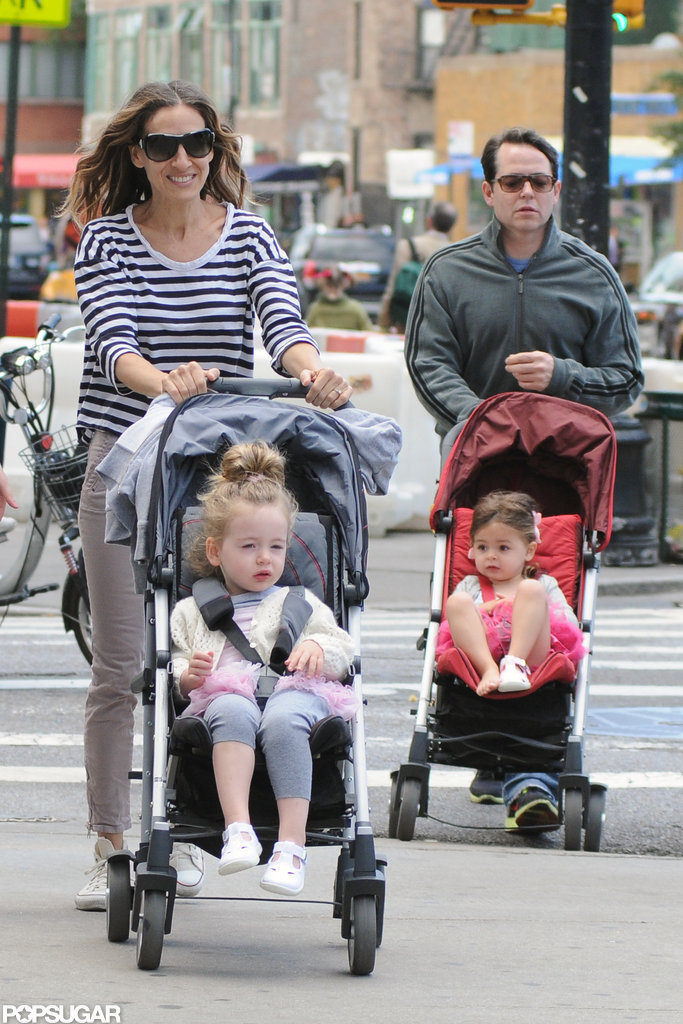Sarah Jessica Parker and Matthew Broderick strolled around NYC with their daughters, Tabitha and Loretta.