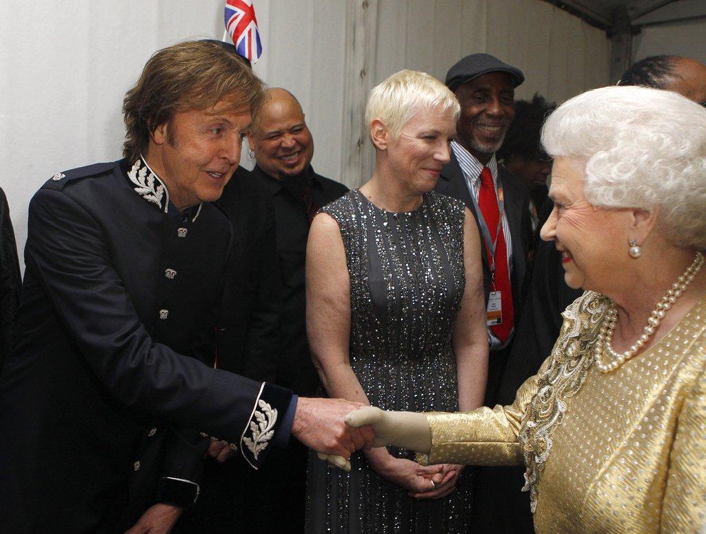 Queen's Diamond Jubilee Concert Rocks Buckingham Palace