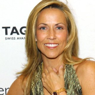 Sheryl Crow Has a Non-Cancerous Brain Tumor