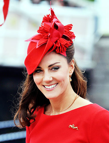 Duchess Catherine's Festive Fascinator and Pin