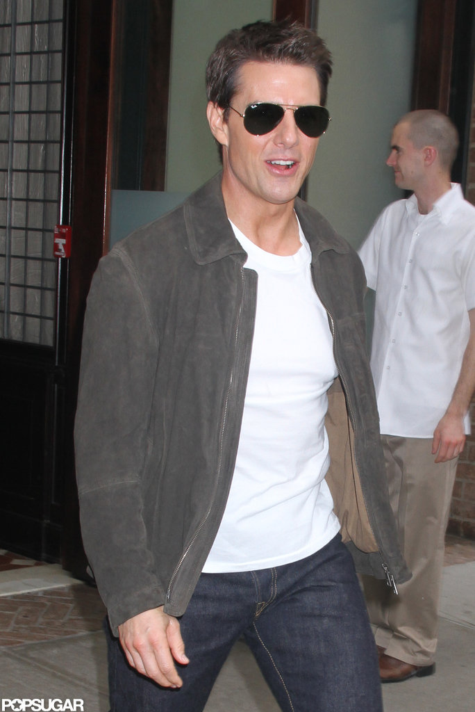 Tom Cruise looked casual and cool in a white t-shirt.