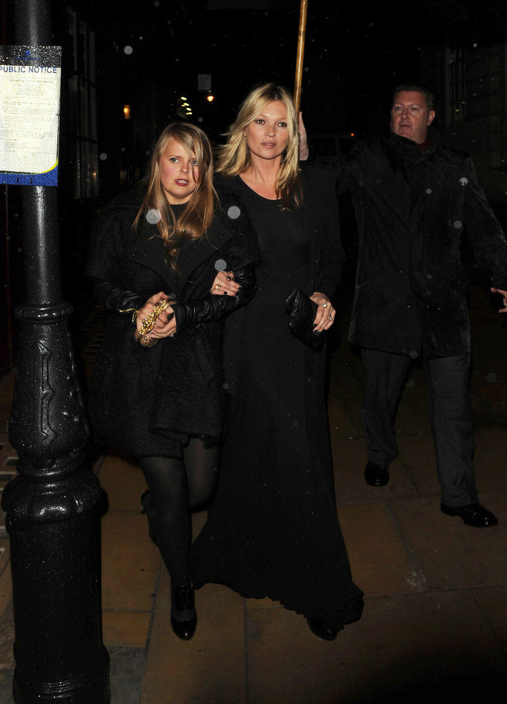 Kate Moss hung out with her assistant Fiona.