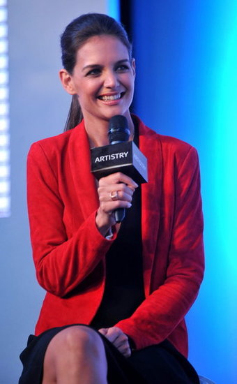 Katie Holmes spoke at Artistry on Ice.