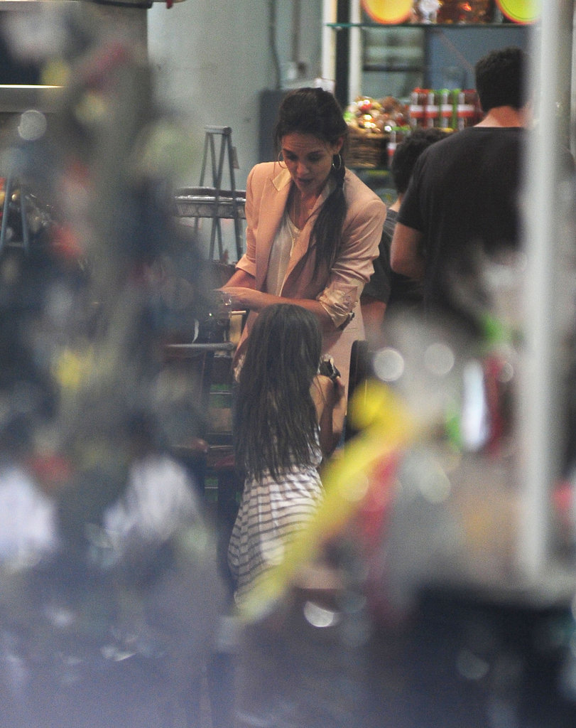 Katie Holmes and Suri Cruise visited a chocolate shop.