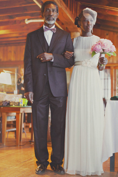 Like father, like daughter: this sweet bride and her dad made a cute pair. Photo by Our Labor of Love via Style Me Pretty