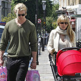 Chris Hemsworth and Elsa Pataky walked in London with daughter India Hemsworth.