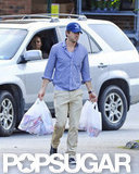 Ryan Reynolds carried grocery bags to the car with Blake Lively in New York.