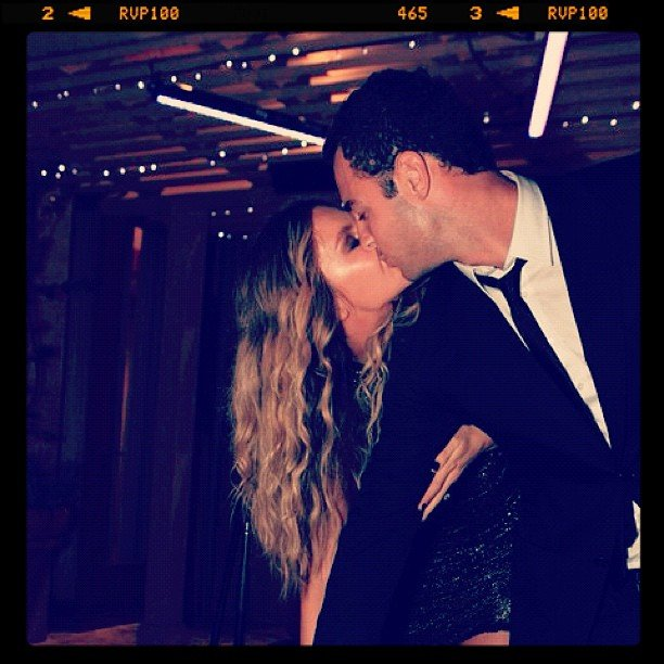 Jennifer Hawkins and Jake Wall shared a passionate kiss. Source: Instagram user jenhawkins_