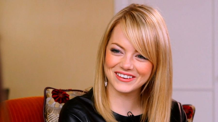 "Emma Stone Talks ""Unbelievable"" Andrew Garfield"