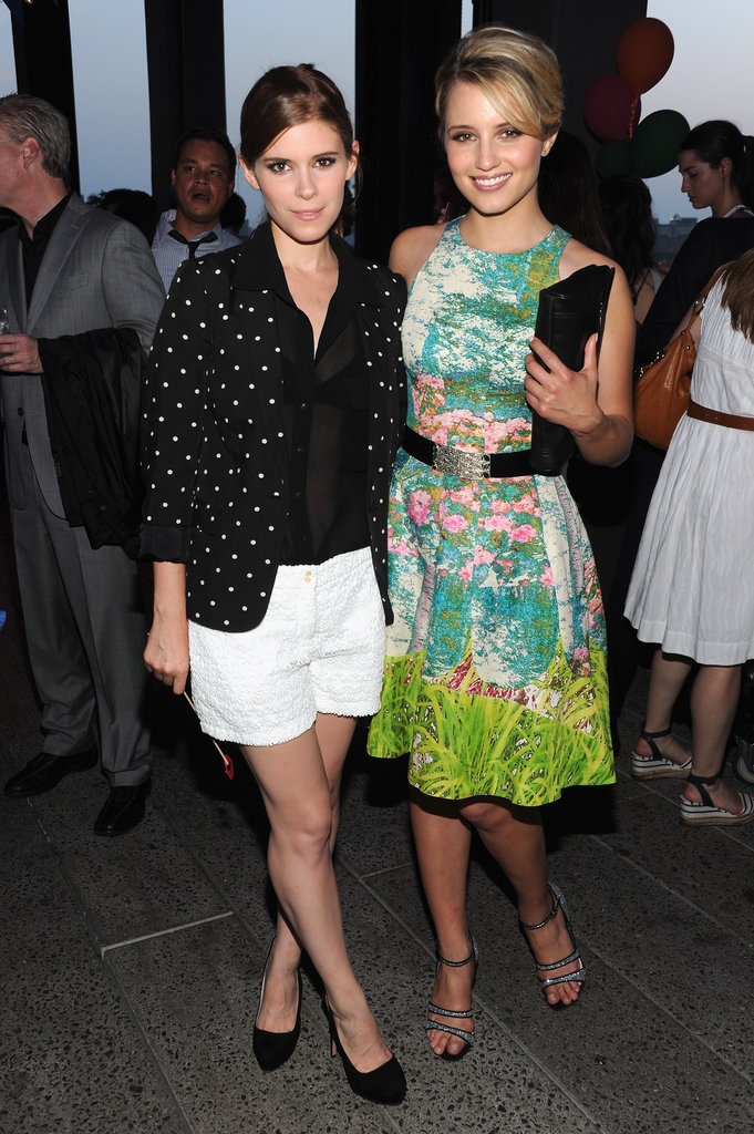 Kate Mara and Dianna Agron paused for a cute shot.