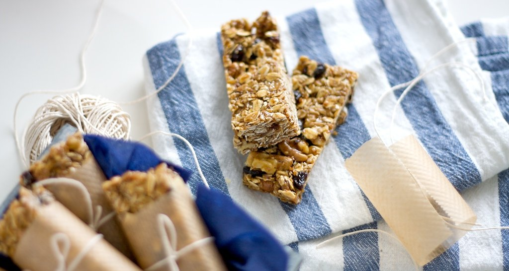 Make No-Bake Granola Bars