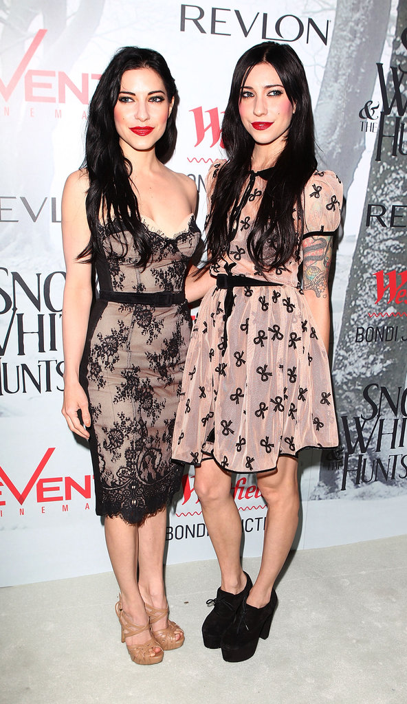Lisa and Jess Origliasso
