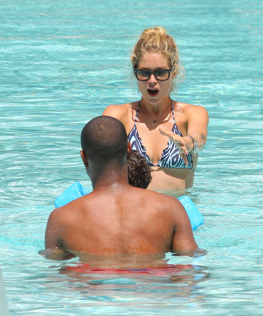 Doutzen Kroes and Sunnery James taught their son, Phyllon, to swim.