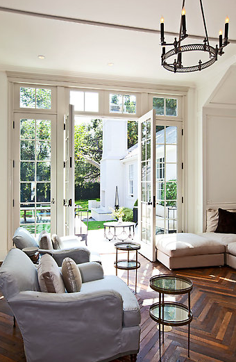 A peek at the pristine lawn through the open doors.