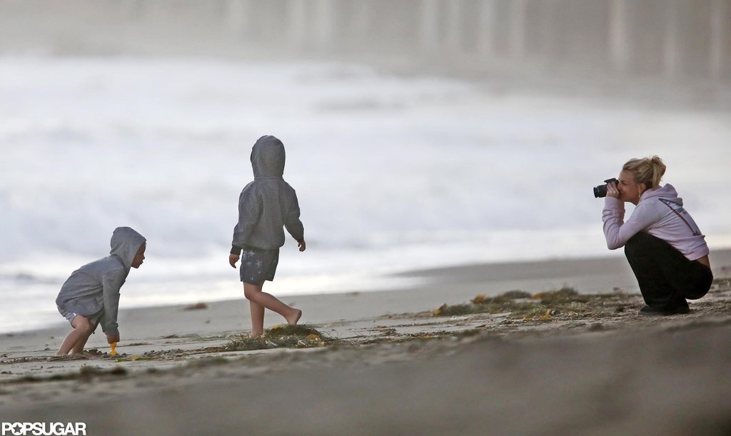 Britney Spears took pictures of her kids on the beach.
