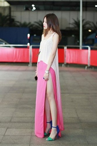 A color-dipped dress with a thigh-high slit makes for a perfect Summer date-night look. Photo courtesy of Lookbook.nu