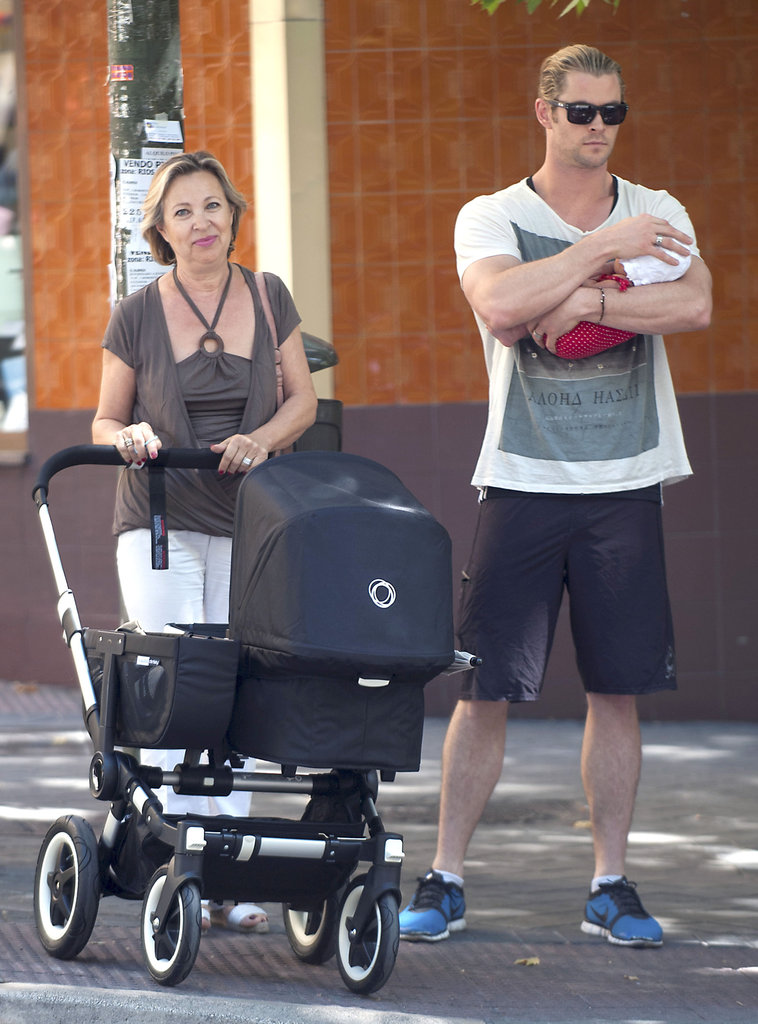 Chris Hemsworth and his mother-in-law took India for a walk around Madrid.