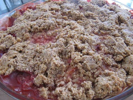 Super Omega-3 Strawberry Rhubarb Crisp