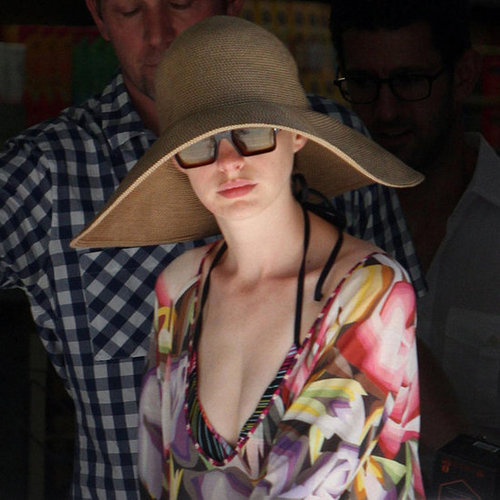 Anne Hathaway on the Fourth of July With Fiance Pictures