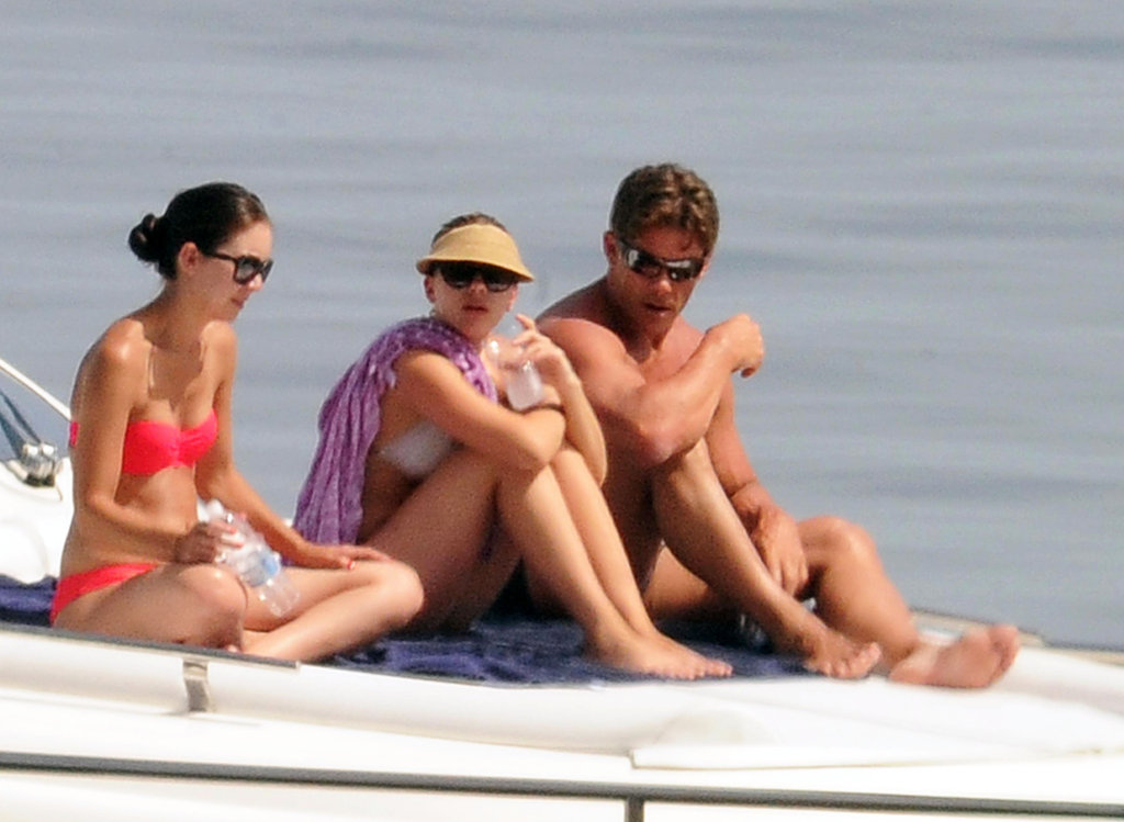 Scarlett Johansson hung out with a few friends on a yacht.