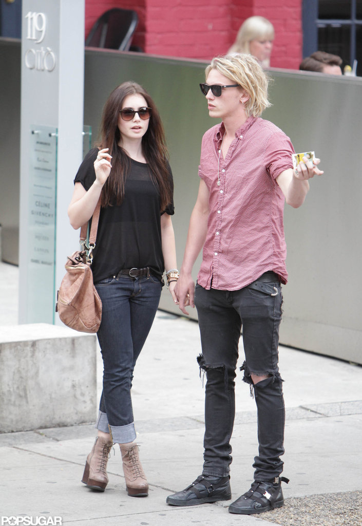 Lily Collins New Boyfr...