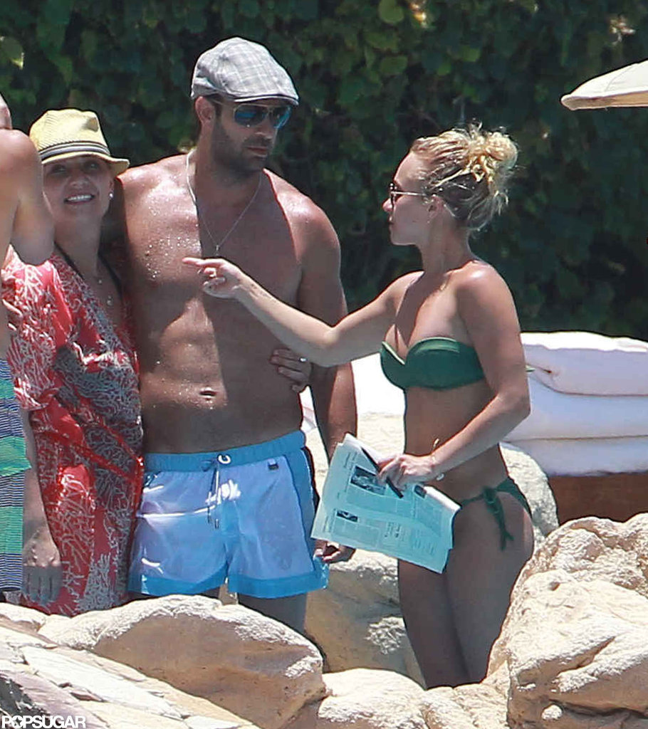 Hayden Panettiere chatted with friends.
