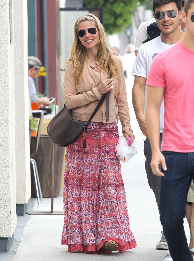 Elsa Pataky enjoyed breakfast in LA with husband Chris Hemsworth and friends.