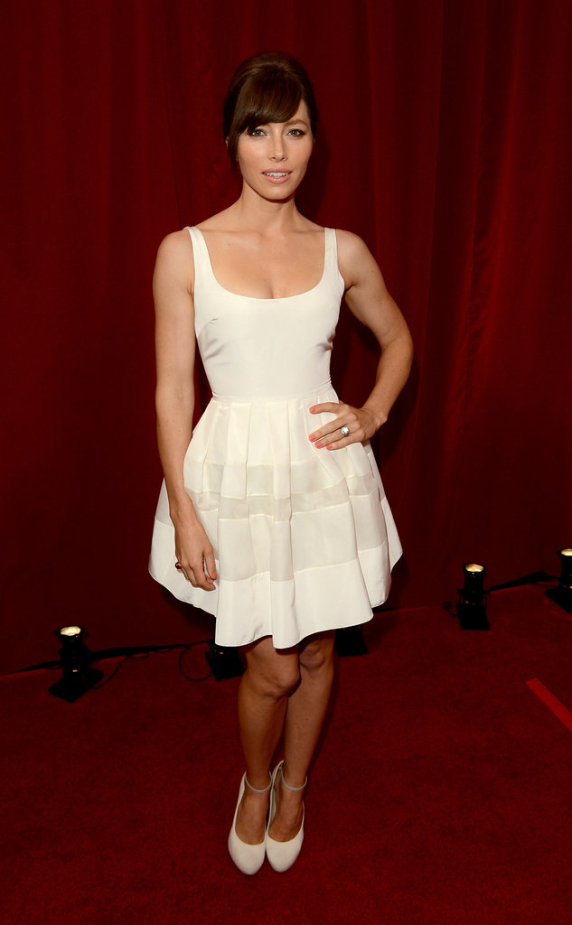 Jessica Biel looks gorgeous in an all white ensemble.