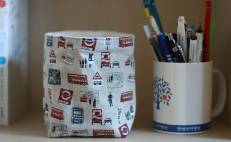 London-Themed Pencil Holder