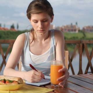 How a Food Journal Helps You Lose Weight