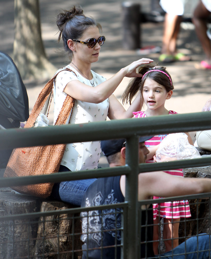 Katie Holmes and Suri went to Central Park Zoo.