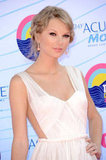 Taylor Swift wore a backless dress to the Teen Choice Awards.