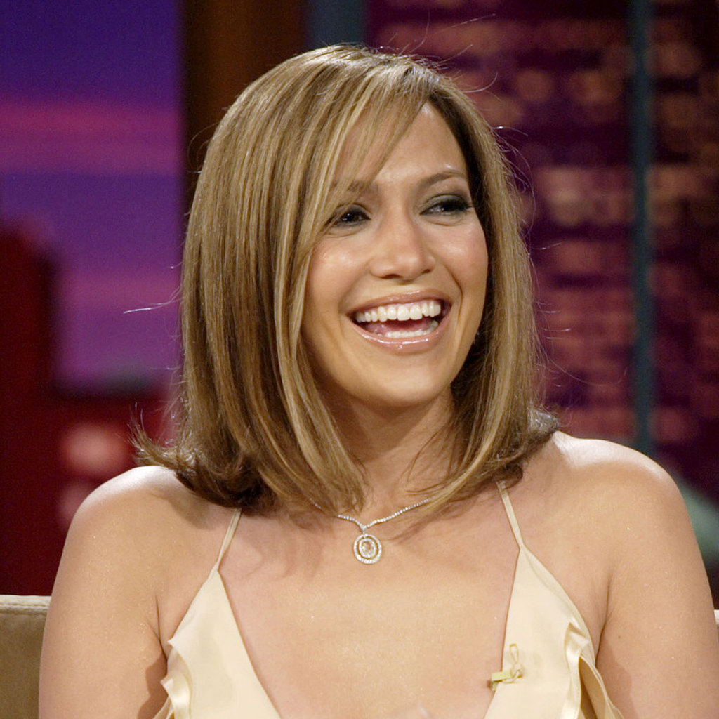 We're not used to seeing Jennifer with shoulder-grazing strands, but for a 2005 appearance on The Tonight Show With Jay Leno, she showed off a chic blond bob.