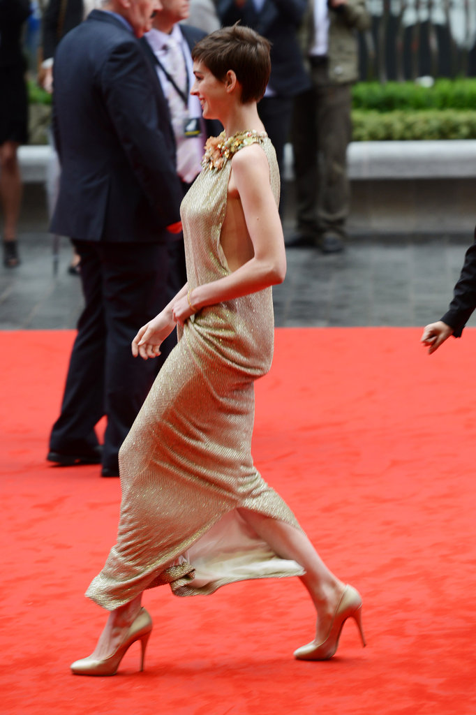 Anne's floral-collared Gucci gown moved gorgeously on the red carpet — and revealed her nude Casadei satin pumps.