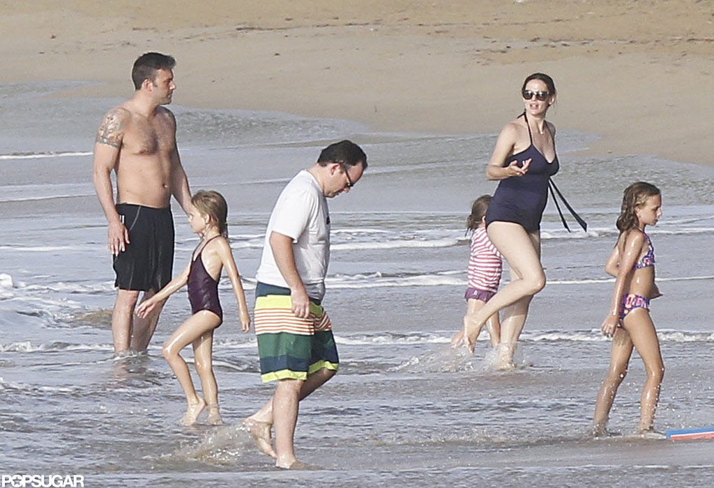 Ben Affleck was shirtless while taking a dip with Violet Affleck, Jennifer Garner, and Seraphina Affleck on vacation in Puerto Rico.