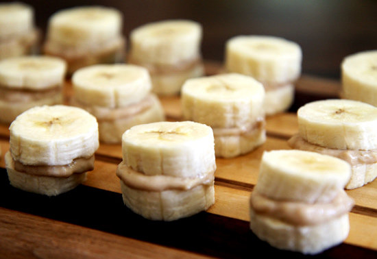 banana smeared alongside peanut butter  couldn Banana as well as Peanut Butter Get a High-Protein Makeover