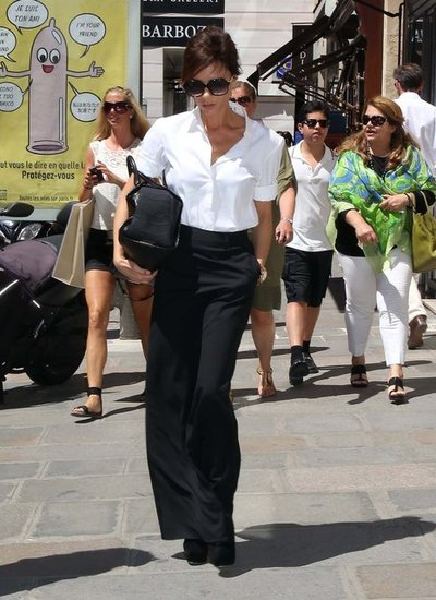 Victoria Beckham wore a long skirt.