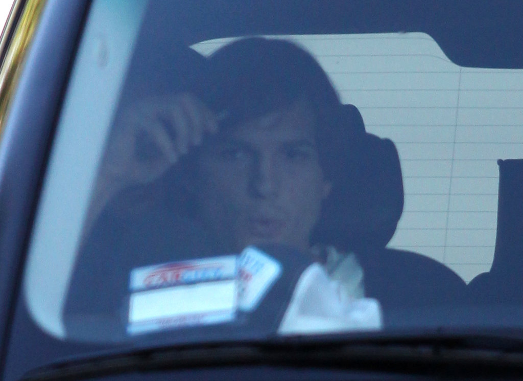 Ashton Kutcher got a ride to see a movie in LA with Mila Kunis.