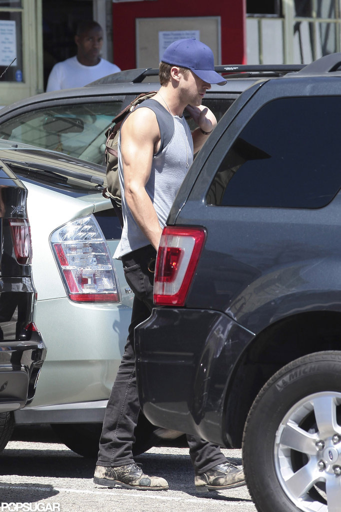 Ryan Gosling headed into an LA gym.