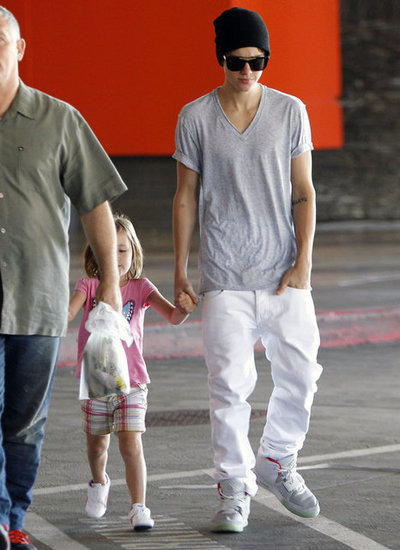Justin Bieber Hangs With Little Sister Jazzy