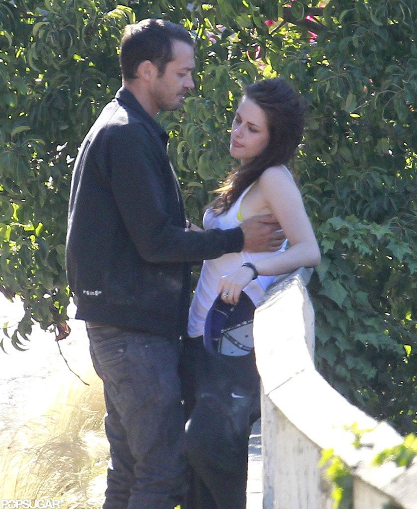 Rupert Sanders grabbed Kristen Stewart.