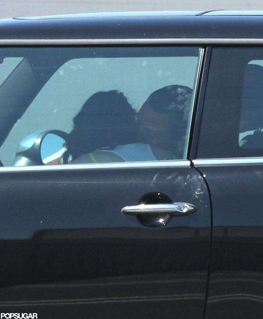Kristen Stewart kissed Rupert Sanders in her car.