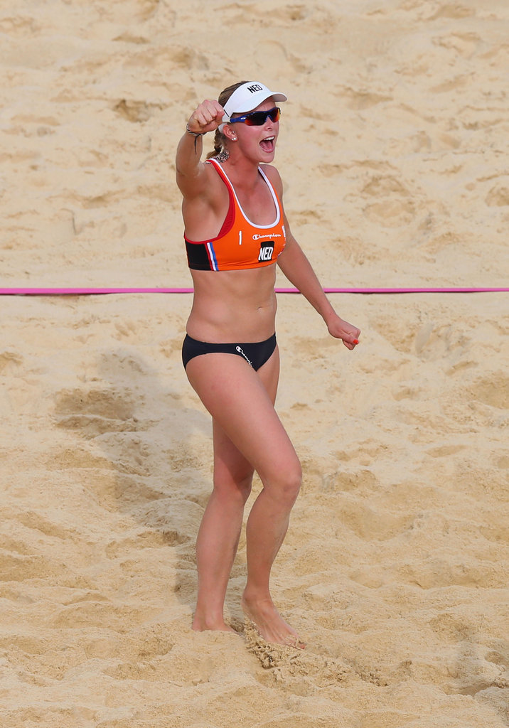 Madelein Meppelink of the Netherlands showed excitement during the women's beach volleyball preliminary match with Australia.