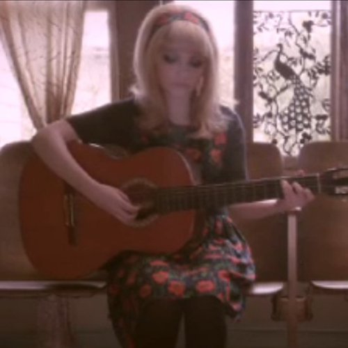 Tavi Sings in Wren Fall 2012 Film [Video]
