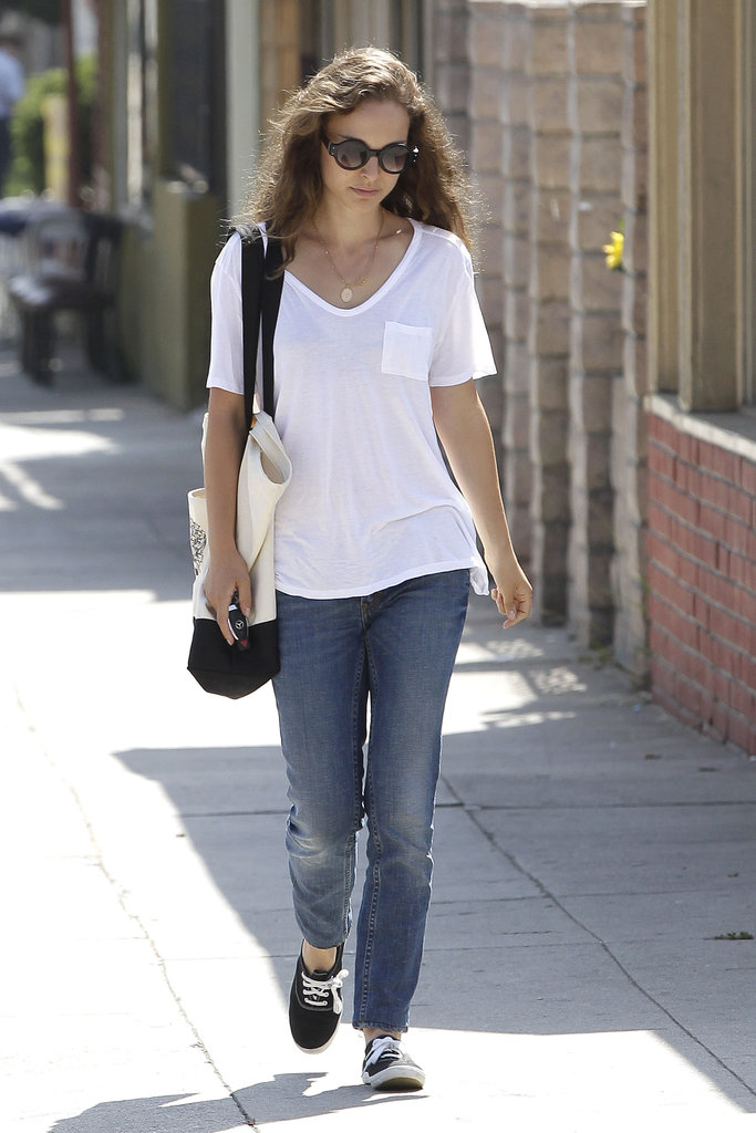 Natalie Portman wore round sunglasses around LA.