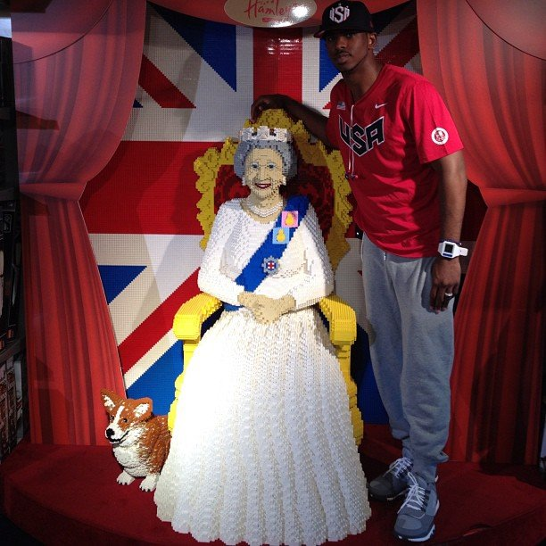 Chris Paul snapped a pic with a Lego version of the queen.  Source: Instagram user cp3