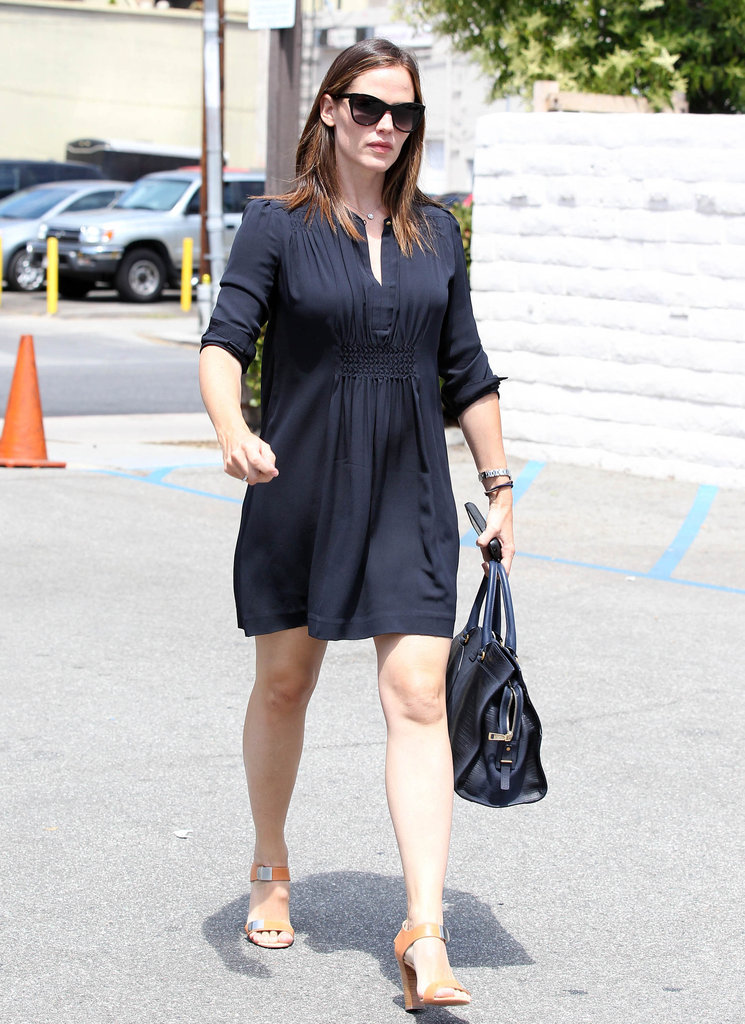 Jennifer Garner walked to her car in Brentwood.