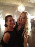 Kate Hudson was all smiles as she got to work on Glee with Lea Michele. Source: Twitter user MrRPMurphy